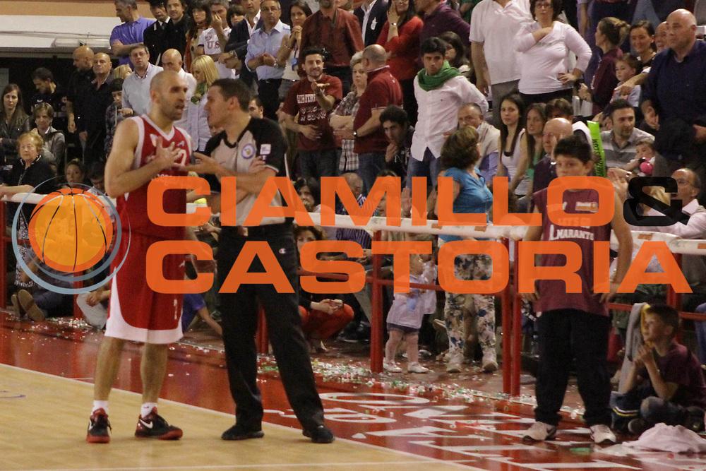 DESCRIZIONE : Ferentino LNP Lega Nazionale Pallacanestro DNA playoff 2011-12 FMC Ferentino Acegas Trieste<br /> GIOCATORE :Leonardio Zaccariello<br /> CATEGORIA : delusione<br /> SQUADRA : Acegas Trieste<br /> EVENTO : LNP Lega Nazionale Pallacanestro DNA playoff 2011-12 <br /> GARA : FMC Ferentino Acegas Trieste<br /> DATA : 25/05/2012<br /> SPORT : Pallacanestro<br /> AUTORE : Agenzia Ciamillo-Castoria/M.Simoni<br /> Galleria : LNP  2011-2012<br /> Fotonotizia :Ferentino LNP Lega Nazionale Pallacanestro DNA playoff 2011-12 FMC Ferentino Aceagas Trieste<br /> Predefinita :