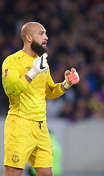 LILLE, FRANCE - Thursday, October 23, 2014: Everton's goalkeeper Tim Howard in action against Lille OSC during the UEFA Europa League Group H match at Stade Pierre-Mauroy. (Pic by David Rawcliffe/Propaganda)