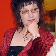 NLD/Huizen/20070329 - Paneldiscussie in bejaardencentrum de Bolder Huizen, journaliste Stella Braam