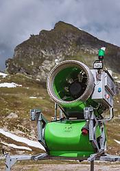 THEMENBILD - Schneekanone am Kitzsteinhorn, aufgenommen am 16. Juli 2019 in Kaprun, Österreich // snow gun at the Kitzsteinhorn, Kaprun, Austria on 2019/07/16. EXPA Pictures © 2019, PhotoCredit: EXPA/ JFK