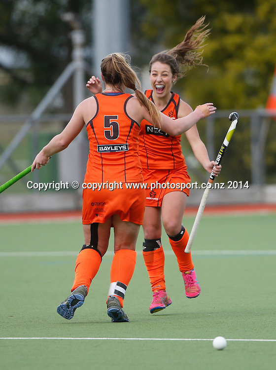 Midlands celebrate after beating Auckland. Auckland v Midlands, Final - Womens National U18 Regional Hockey Tournament, Napier, New Zealand. Saturday, 12 July, 2014. Photo: John Cowpland / photosport.co.nz