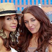 NLD/Rijswijk/20110601 - Uitreiking Talkies Terras Award 2011, Olcay Gulsen met vriendin ...............