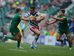 Harlequins Number 8 Nick Easter attacks down the wing.- Photo mandatory by-line: Alex James/JMP - 07966 386802 - 06/09/2014 - SPORT - RUGBY UNION - London, England - Twickenham Stadium - Saracens v Wasps - Aviva Premiership London Double Header.