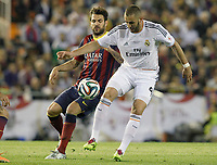 FC Barcelona's Cesc Fabregas (l) and Real Madrid's Karim Benzema during spanish KIng's Cup Final match.April 16,2014. (ALTERPHOTOS/Acero)