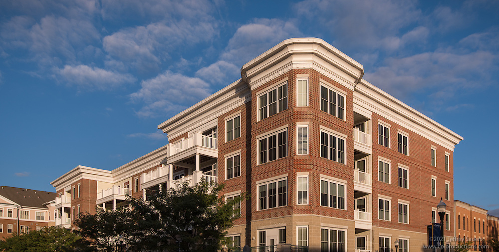 Exterior image of Harbor Side at Belmont Bay in Woodbridge VA by Jeffrey Sauers of Commercial Photographics, Architectural Photo Artistry in Washington DC, Virginia to Florida and PA to New England