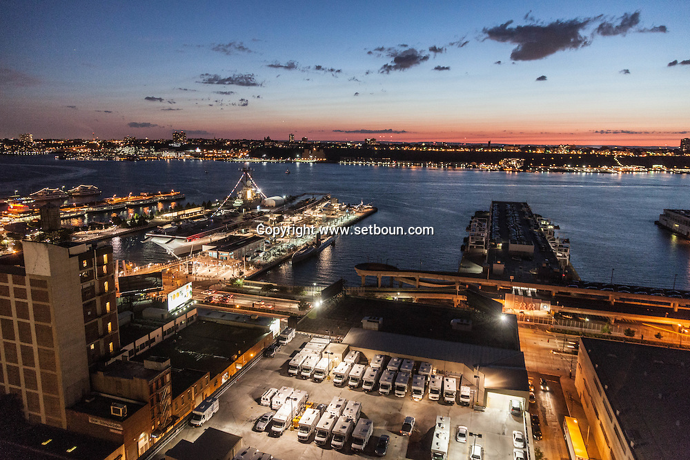 New York, hudson river skyline new york /  hudson river panorama New York