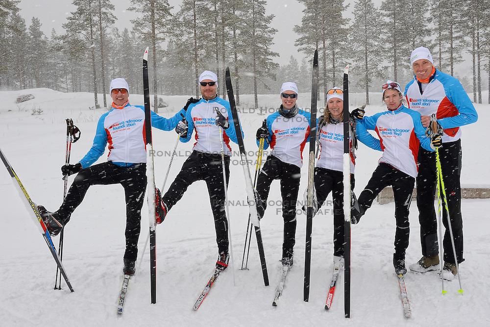 04-03-2016 SWE: Vasaloppet Challenge BvdGF day 6, Orsa Gronklitt<br /> Vandaag een rustig dagje met een paar kleine trainingen en de fotoshoot met de hele groep / Bas met team Zweden