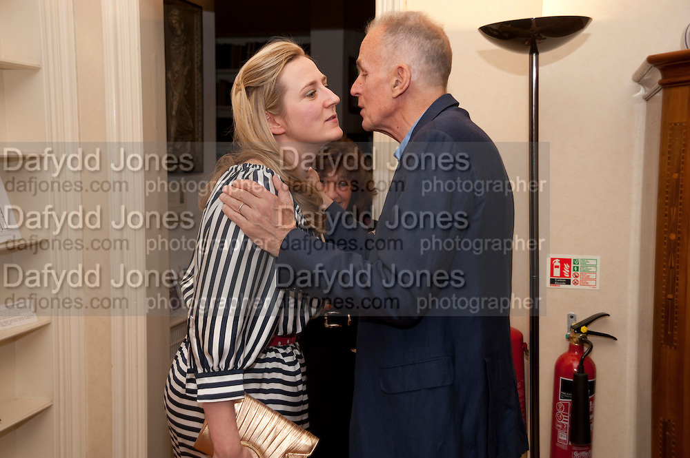 SUSIE BOYT; JAMES FOX, Freud Museum dinner, Maresfield Gardens. 16 June 2011. <br /> <br />  , -DO NOT ARCHIVE-© Copyright Photograph by Dafydd Jones. 248 Clapham Rd. London SW9 0PZ. Tel 0207 820 0771. www.dafjones.com.