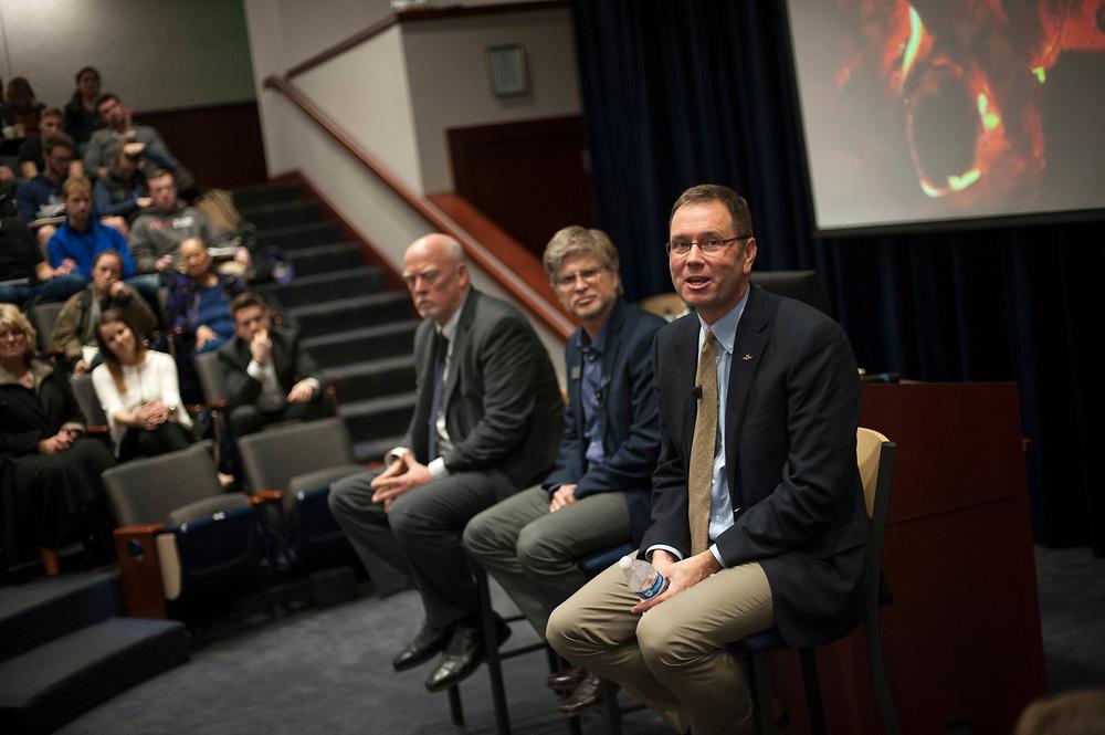 Alaska Air CEO Bradley D. Tilden (right) delivered the Aram Lecture on Business Ethics April 10. Photo: Gavin Doremus