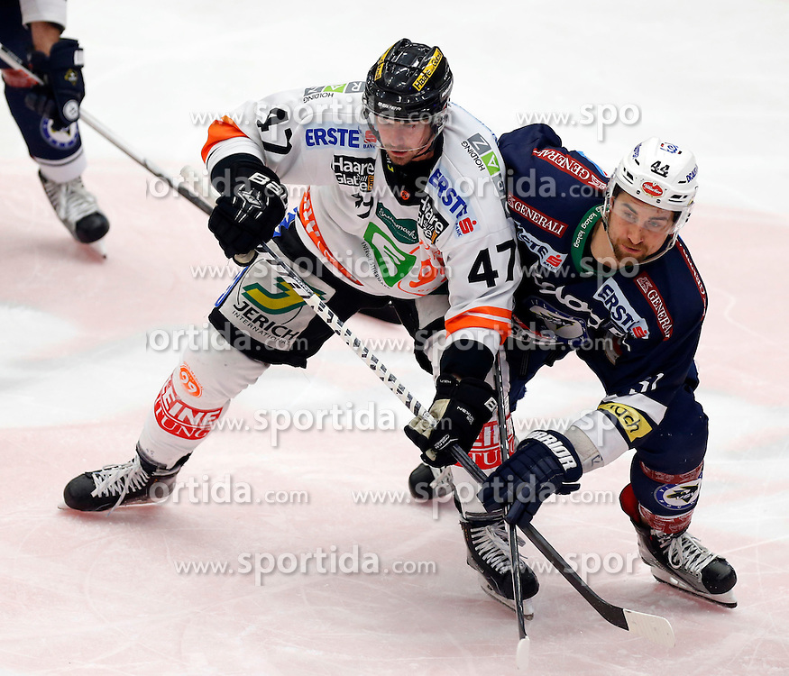 29.01.2016, Stadthalle, Villach, AUT, EBEL, EC VSV vs Moser Medical Graz 99ers, Qualifikationsrunde, im Bild Evan Brophey (Graz99ers) und Eric Hunter (VSV) // during the Erste Bank Icehockey League Qualification round match between EC VSV vs Moser Medical Graz 99ers at the City Hall in Villach, Austria on 2016/01/29, EXPA Pictures © 2016, PhotoCredit: EXPA/ Oskar Hoeher