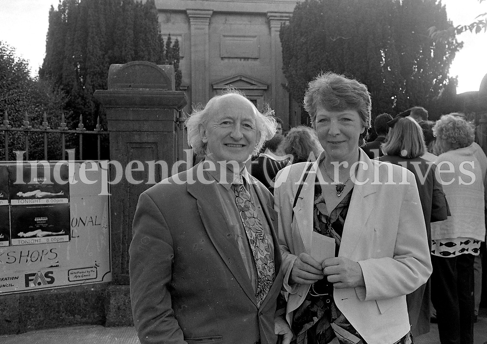 Michael D Higgins is pictured with his wife Sabina at the Arts Centre, Nun's Island during the Galway Arts Festival, 24/07/1992 (Part of the Independent Newspapers Ireland/NLI Collection).