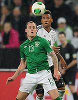 Fotball<br /> Tyskland v Irland<br /> 11.10.2013<br /> Foto: Witters/Digitalsport<br /> NORWAY ONLY<br /> <br /> v.l. Anthony Stokes, Jerome Boateng (Deutschland) <br /> <br /> Fussball, WM-Qualifikation, Deutschland - Irland 3:0