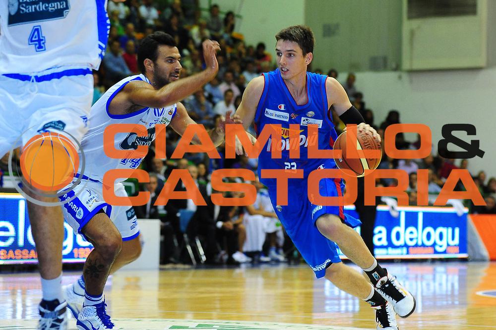 DESCRIZIONE : SASSARI LEGA A 2011-12 DINAMO SASSARI - CASALE MONFERRATO<br /> GIOCATORE : MATT JANNING<br /> SQUADRA : DINAMO SASSARI - CASALE MONFERRATO<br /> EVENTO : CAMPIONATO LEGA A 2011-2012 <br /> GARA : DINAMO SASSARI - SQUADRA AVVERSARIA<br /> DATA :09/10/2011<br /> CATEGORIA : PALLEGGIO<br /> SPORT : Pallacanestro <br /> AUTORE : Agenzia Ciamillo-Castoria/M.Turrini<br /> Galleria : Lega Basket A 2011-2012  <br /> Fotonotizia : SASSARI LEGA A 2011-12 DINAMO SASSARI - CASALE MONFERRATO<br /> Predefinita :