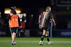 Joe Marler of Harlequins leaves the field injured - Mandatory byline: Patrick Khachfe/JMP - 07966 386802 - 01/12/2019 - RUGBY UNION - The Twickenham Stoop - London, England - Harlequins v Gloucester Rugby - Gallagher Premiership