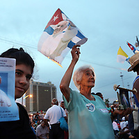 (092015  Havana, Cuba) Cubans and other pilgrims gather at dawn for a Mass held by Pope Francis at the Plaza de la Revolucion in Havana, Sunday,  September 20, 2015. photo by Angela Rowlings.