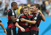 Fotball<br /> Tyskland v USA<br /> 26.06.2014<br /> VM 2014<br /> Foto: Witters/Digitalsport<br /> NORWAY ONLY<br /> <br /> 1:0 Jubel v.l. Jerome Boateng, Toni Kroos, Miroslav Klose, Torschuetze Thomas Müller<br /> Fussball, FIFA WM 2014 in Brasilien, Vorrunde, USA - Deutschland