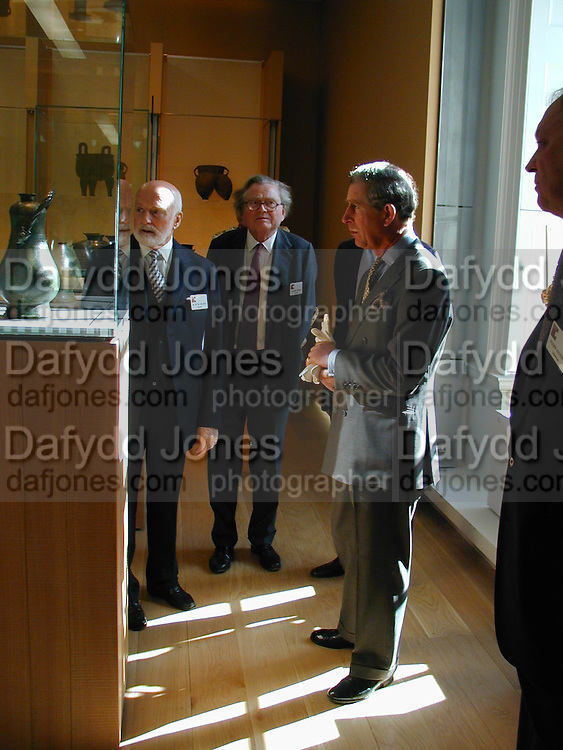 Sir Peter Moores, Graham Greene and Prince Charles, Official opening Compton Verney, 23 March 2004. ONE TIME USE ONLY - DO NOT ARCHIVE  © Copyright Photograph by Dafydd Jones 66 Stockwell Park Rd. London SW9 0DA Tel 020 7733 0108 www.dafjones.com
