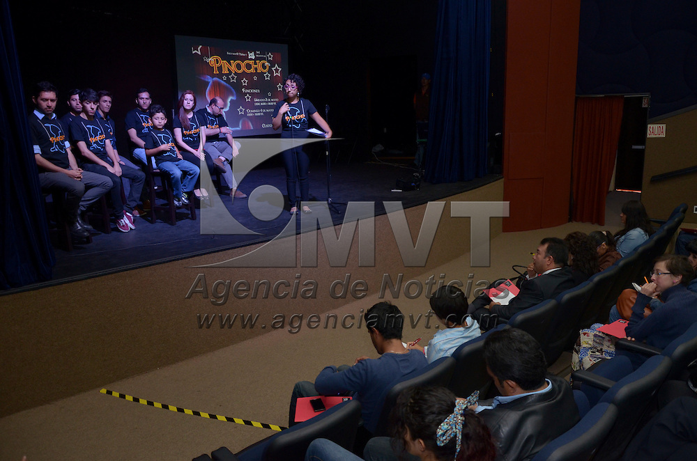 Toluca, México.- Betsa del Valle, Productora, durante el anuncio de obra teatro Pinocho en el teatro de Metepec, que se llevará acabo los días 3 y 4 de Mayo. Agencia MVT / Arturo Hernández S.