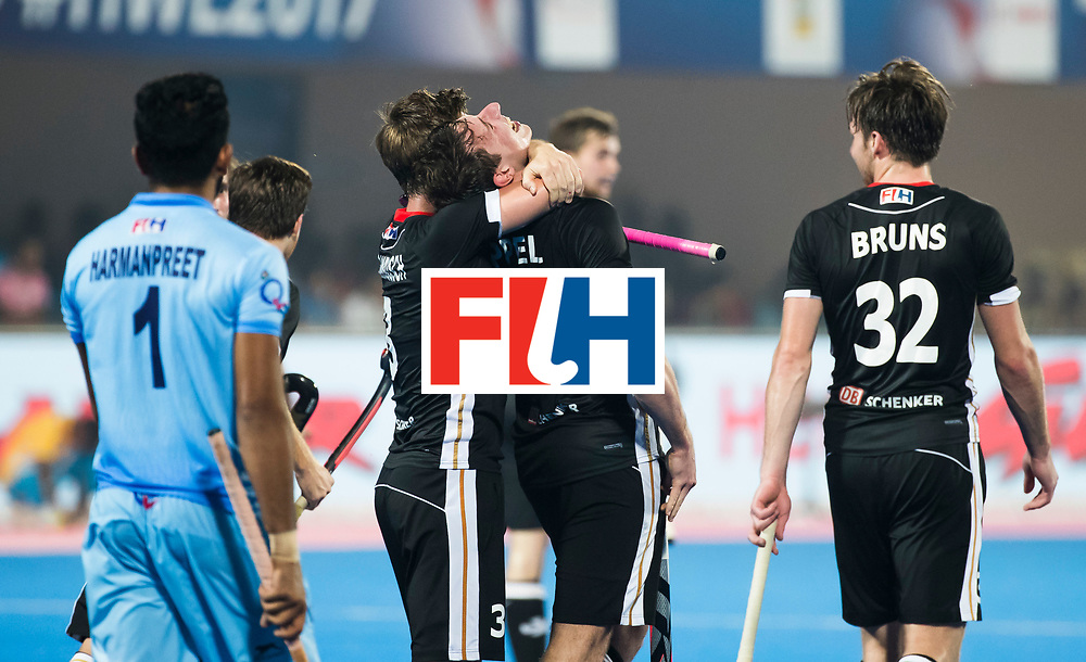 BHUBANESWAR - Hockey World League finals Match for bronze , Germany v India (1-2).  Mark Appel (Ger) scored . right Niklas Bruns (Ger). COPYRIGHT KOEN SUYK