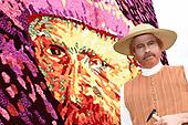 Zelfportret van Vincent van Gogh samengesteld uit 50.000 dahlia