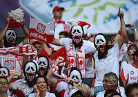 FUSSBALL  EUROPAMEISTERSCHAFT 2012   VORRUNDE Polen - Russland             12.06.2012 Polnische Fans im Stadion