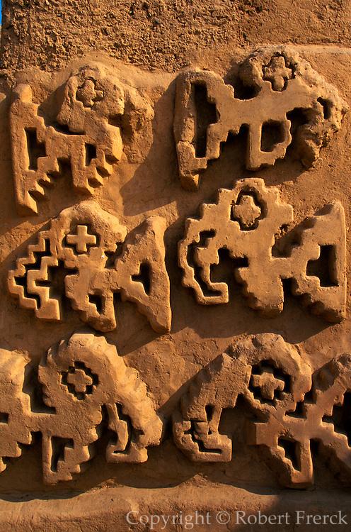PERU, PREHISPANIC, CHIMU Chan Chan; Palacio Tschuldi, adobe wall