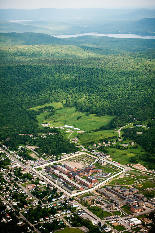 2015 escape of Richard Matt and David Sweat from Clinton Correctional Facility in Dannemora, New York.