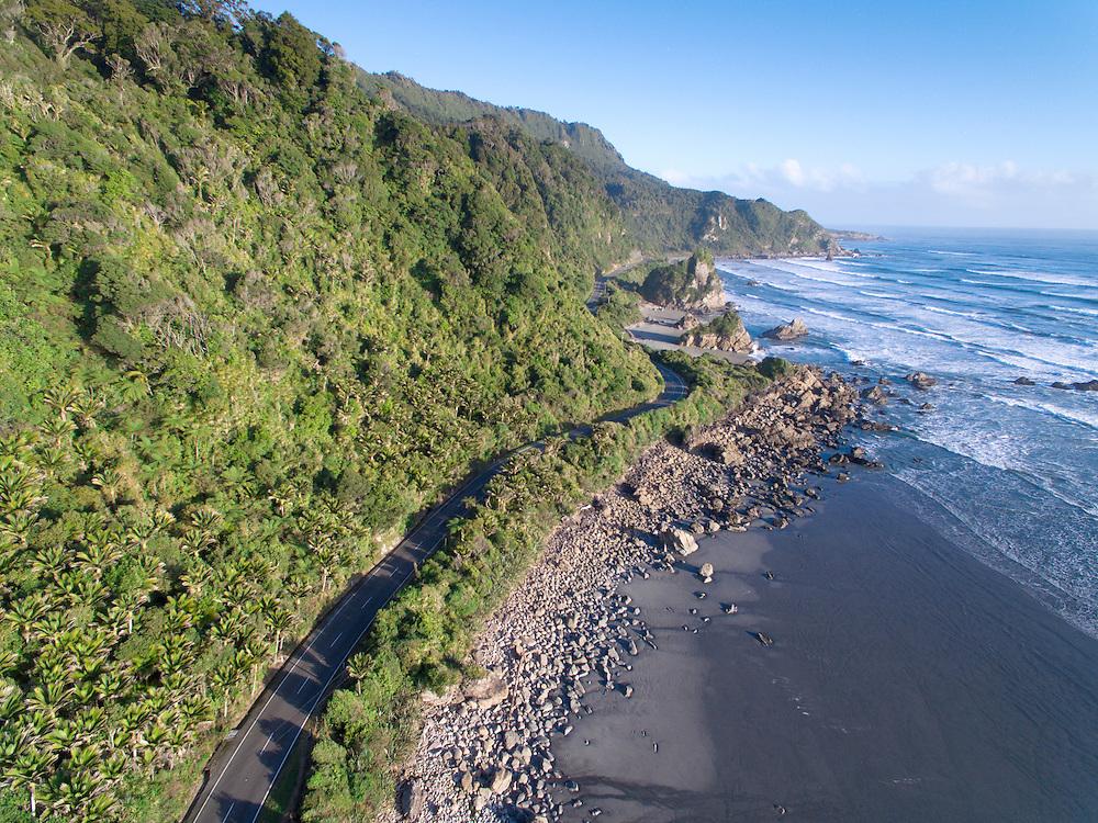 Coastal highway through Paparoa National Park, West Coast South Island