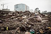 Un uomo tra le macerie in uno dei tanti cantieri di Canchis, Addis Ababa 8 settembre 2014.  Christian Mantuano / OneShot <br /> <br /> A man in the rubble in one of the many building sites in Canchis, Addis Ababa September 8, 2014