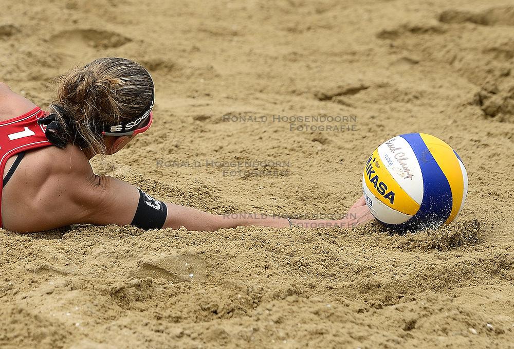 20-07-2014 NED: FIVB Grand Slam Beach Volleybal, Scheveningen<br /> Gold medal match / Katrin Holtwick (1) GER