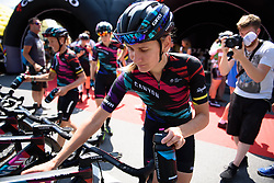 Alena Amialiusik (CANYON//SRAM) tops up her bottles head of Giro Rosa 2016 - Stage 4. A 98.6 km road race from Costa Volpino to Lovere, Italy on July 5th 2016.