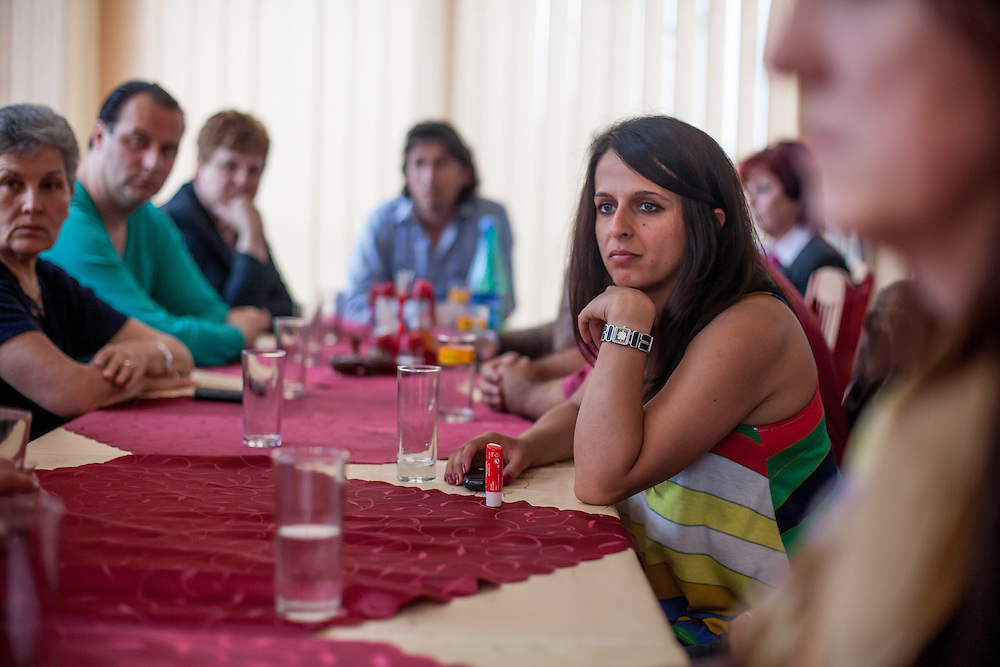 "Paralegal Romina Kajtazova during a meeting with the institutions about the topic: ""Patients Rights, advance health status and better health service of the Roma"" in a restaurant in Delcevo, Macedonia."
