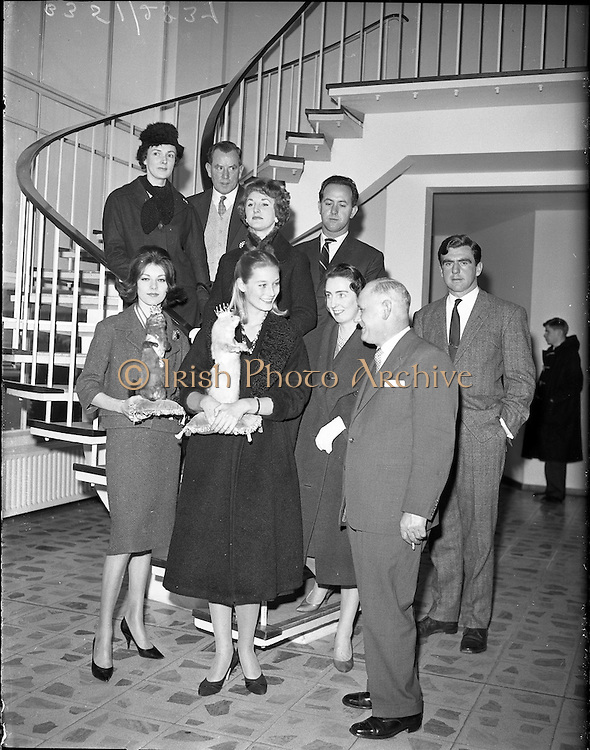 03/04/1960.04/03/1960.03 April 1960.Arrival of models for Gala at Dublin Airport: London models Tania Mallet and Josephine Stevens with Miss Peggy Mathews, P.R.O. for Gala of London, arriving at Dublin Airport. Tania Mallet later starred as as Tilly Masterson in the James Bond film Goldfinger (1964).