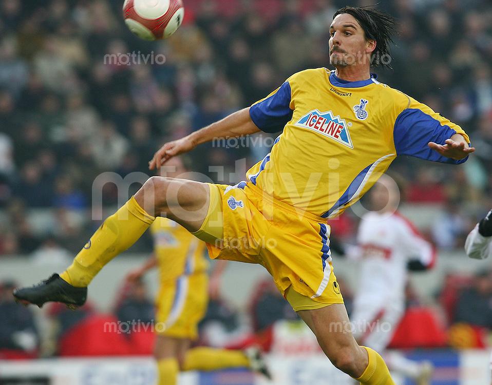 Fussball 1. Bundesliga 2005/2006 18.Spieltag VfB Stuttgart - MSV Duisburg Marino Biliskov (MSV)