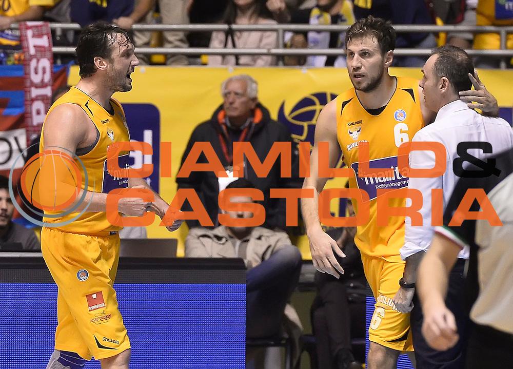 DESCRIZIONE : Torino Auxilium Manital Torino Giorgio Tesi Group Pistoia<br /> GIOCATORE : Guido Rosselli Stefano Mancinelli Luca Bechi<br /> CATEGORIA : esultanza<br /> SQUADRA : Manital Auxilium Torino<br /> EVENTO : Campionato Lega A 2015-2016<br /> GARA : Auxilium Manital Torino Giorgio Tesi Group Pistoia<br /> DATA : 07/12/2015 <br /> SPORT : Pallacanestro <br /> AUTORE : Agenzia Ciamillo-Castoria/R.Morgano<br /> Galleria : Lega Basket A 2015-2016<br /> Fotonotizia : Torino Auxilium Manital Torino Giorgio Tesi Group Pistoia<br /> Predefinita :