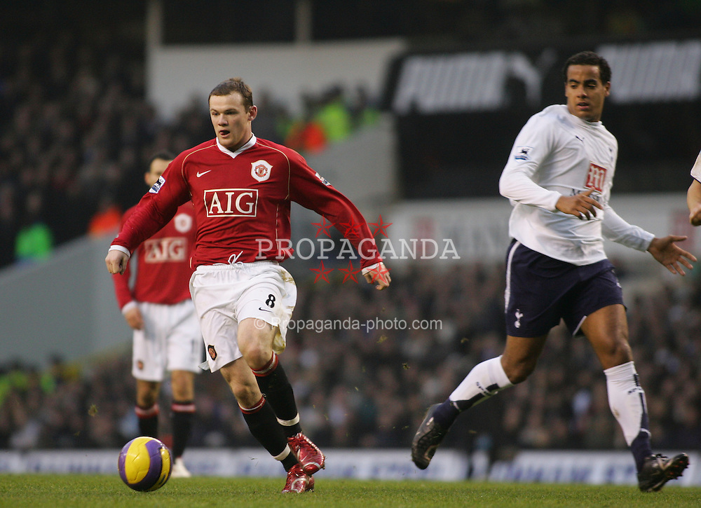 London, England - Sunday, February 4, 2007: Tottenham Hotspur's Tom Huddlestone and Manchester United's Wayne Rooney during the Premiership match at White Hart Lane. (Pic by Chris Ratcliffe/Propaganda)