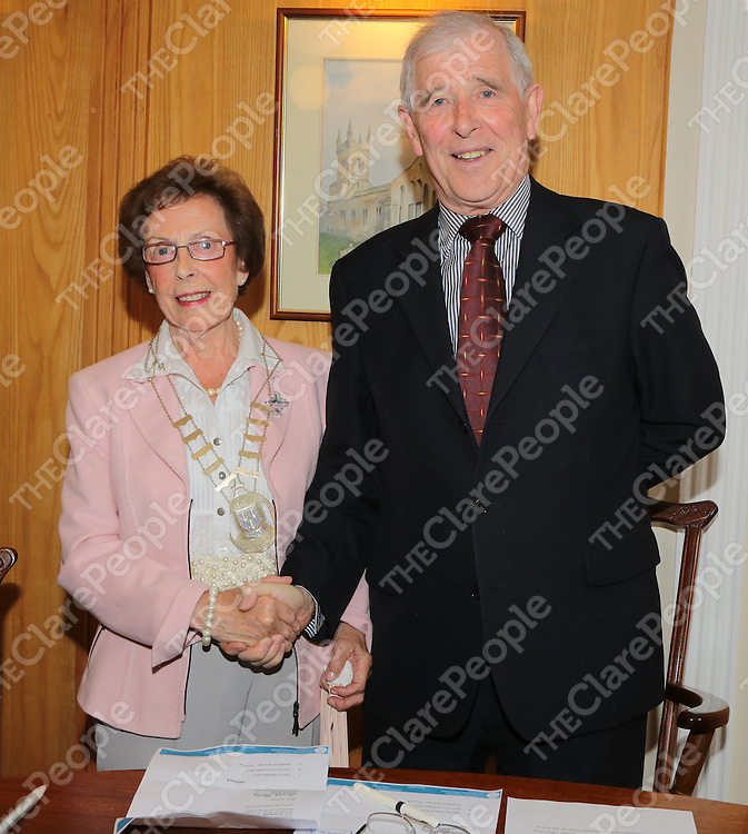 25/6/2013   Newly elected Mayor of Ennis Cllr Mary Cook Ryan is congratulated by outgoing Mayor Cllr. Peter Considine.<br /> Picture Liam Burke/Press 22