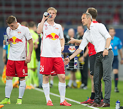 03.06.2015, Woerthersee Stadion, Klagenfurt, AUT, OeFB Samsung Cup, FK Austria Wien vs FC Red Bull Salzburg, Finale, im Bild v.l. Martin Hinteregger (FC Red Bull Salzburg), Trainer Adi Huetter (FC Red Bull Salzburg) // during the mens OeFB Samsung Cup final match between FK Austria Wien and FC Red Bull Salzburg at the Woerthersee Stadium, Klagenfurt, Austria on 2015/06/03. EXPA Pictures © 2015, PhotoCredit: EXPA/ Johann Groder