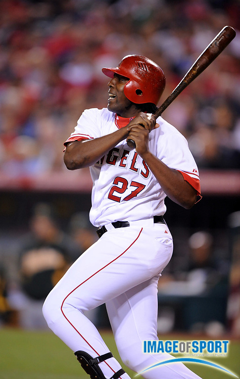 Apr 29, 2007; Anaheim, CA, USA; Los Angeles Angels right fielder Vladmir Guerrero (27) bats during game against the Oakland Athletics at Angel Stadium. Mandatory Credit: Kirby Lee/Image of Sport-US PRESSWIRE
