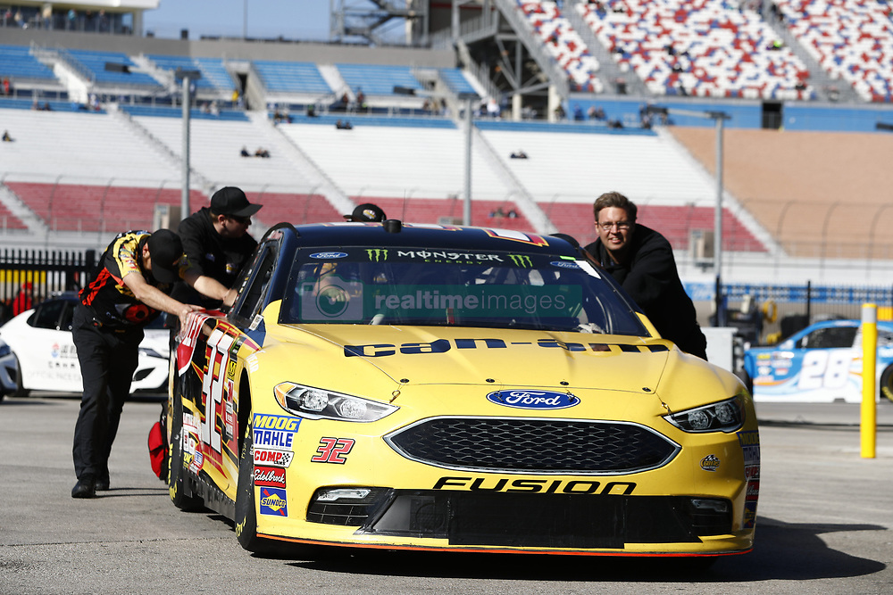 March 2, 2018 - Las Vegas, Nevada, United States of America - March 02, 2018 - Las Vegas, Nevada, USA: The Monster Energy NASCAR Cup Series teams take to the track to practice for the Pennzoil 400 at Las Vegas Motor Speedway in Las Vegas, Nevada. (Credit Image: © Justin R. Noe Asp Inc/ASP via ZUMA Wire)