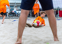 18-07-2018 NED: CEV DELA Beach Volleyball European Championship day 4<br /> Side Event, Training beach volleyball youth at side court in Apeldoorn