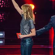 NLD/Hilversum/20190201- TVOH 2019 1e liveshow, presentatoren Wendy van Dijk en Martijn Krabbe