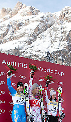 21.01.2011, Tofana, Cortina d Ampezzo, ITA, FIS World Cup Ski Alpin, Lady, Cortina, SuperG, im Bild Podium, v.l. Anja Paerson (SWE, #12, Platz 2), Lindsey Vonn (USA, #20, Platz 1) und Anna Fenninger (AUT, #14, Platz 3) // Anja Paerson (SWE, place 2), Lindsey Vonn (USA, place 1) and Anna Fenninger (AUT, place 3)during FIS Ski Worldcup ladies SuperG at pista Tofana in Cortina d Ampezzo, Italy on 21/1/2011. EXPA Pictures © 2011, PhotoCredit: EXPA/ J. Groder