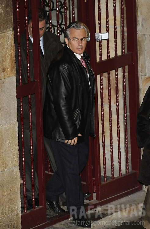 Spanish judge Baltasar Garzon, leaves after inspecting a flat during a police operation against Basque political party ANV (Basque Nationalist Action), on January 23, in the northern Spanish Basque city of Bilbao. During the operation, ANV Arantza Urkaregi was arrested.