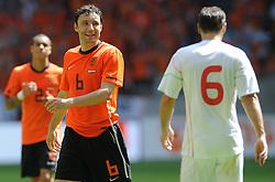 05-06-2010 VOETBAL: NEDERLAND - HONGARIJE: AMSTERDAM<br /> Nederland wint met 6-1 van Hongarije / Mark van Bommel<br /> ©2010-WWW.FOTOHOOGENDOORN.NL