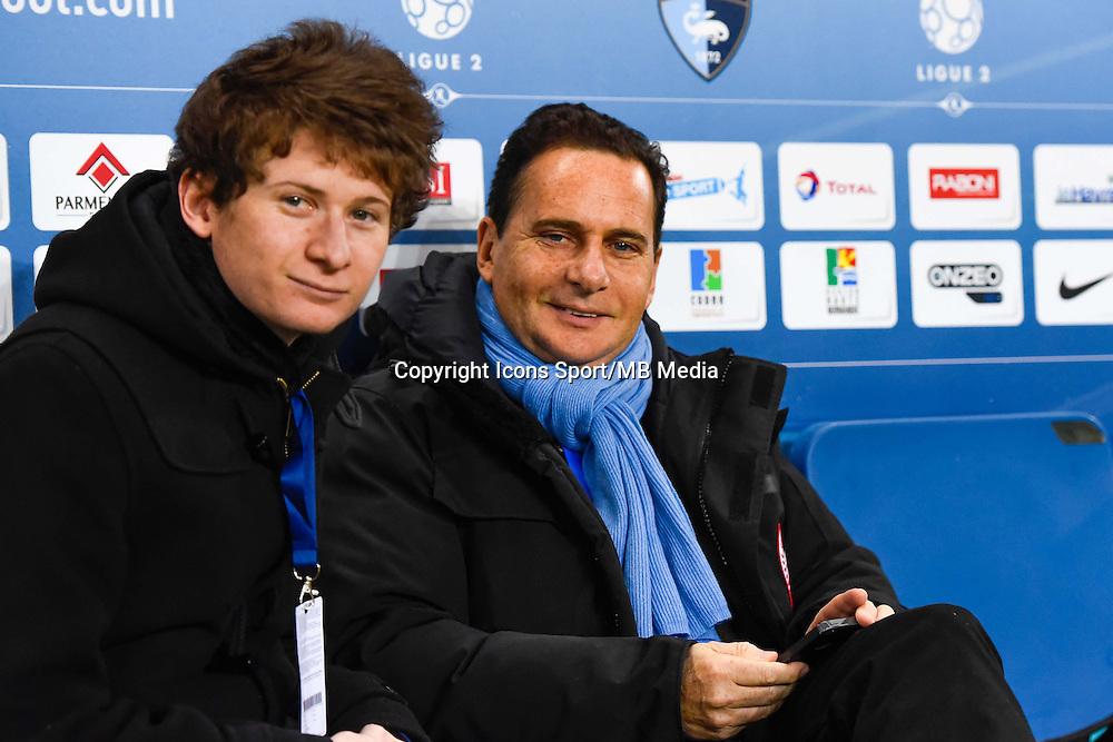 Eric BESSON et son fils  - 12.12.2014 - Le Havre / Laval - 17eme journee de Ligue 2 <br /> Photo : Fred Porcu / Icon Sport