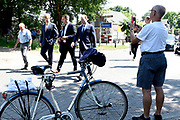 Koning Willem Alexander brengt  in Hilvarenbeek een werkbezoek aan een aantal initiatieven die vanuit de samenleving zijn gestart. De initiatieven dragen bij aan de leefbaarheid en toekomstbestendigheid van de dorpen die deel uitmaken van de gemeente Hilvarenbeek.<br /> <br /> King Willem Alexander is in Hilvarenbeek a working visit to a number of initiatives that have started from society. The initiatives contribute to the liveability and future-proofing of the villages that are part of the municipality of Hilvarenbeek.<br /> <br /> Op de foto:  De koning bezoekt een pomphuis aan het Wilhelminakanaal in Haghorst /// The king visits a pump house on the Wilhelminan canal in Haghorst