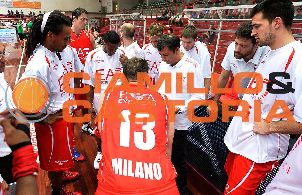 DESCRIZIONE : Brescia Lega A 2013-14 amichevole Olimpia EA7 Milano-Olimpia Lubiana<br /> GIOCATORE : Luca Banchi<br /> CATEGORIA : allenatore coach time out<br /> SQUADRA : Olimpia EA7 Milano<br /> EVENTO : Campionato Lega A 2013-2014<br /> GARA : Olimpia EA7 Milano-Olimpia Lubiana<br /> DATA : 22/09/2013<br /> SPORT : Pallacanestro<br /> AUTORE : Agenzia Ciamillo-Castoria/R.Morgano<br /> Galleria : Lega Basket 2013-2014<br /> Fotonotizia : Brescia Lega A 2013-14 amichevole Olimpia EA7 Milano-Olimpia Lubiana<br /> Predefinita :