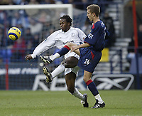 Fotball<br /> England 2004/2005<br /> Foto: SBI/Digitalsport<br /> NORWAY ONLY<br /> <br /> Bolton Wanderers v Portsmouth<br /> FA Barclays Premiership.<br /> 27/11/2004.<br /> <br /> Bolton's Ricardo Gardener and Pompey's Gary O'Neil