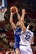 Francia 01/07/1999<br /> Campionati Europei di Basket Francia 1999<br /> Italia-Russia<br /> Andrea Meneghin